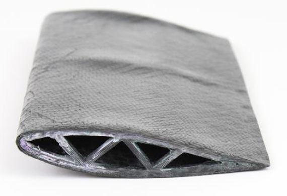 Aileron en fibre de carbone